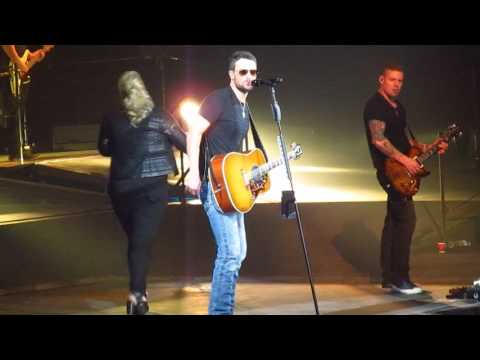 Eric Church at Quicken Loans Arena Chattanooga Lucy