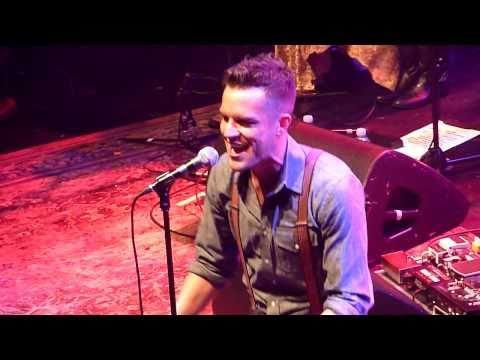 Brandon Flowers~Swallow It~Live @ Leeds Academy 13th October 10