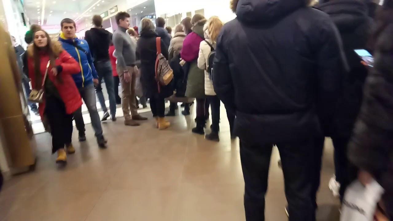 a9c0805bd12d6 Victoria's Secret Галерея Санкт-Петербург Нереальная ОЧЕРЕДЬ открытие  23.02.2018!
