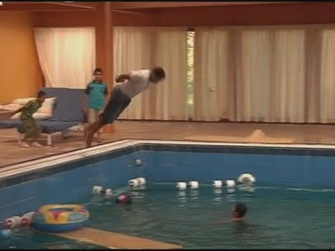 Gaddafi swimming pool becomes rebel playground
