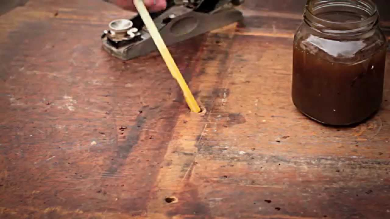 Como restaurar una mesa de madera antigua youtube for Restaurar vigas de madera pintadas