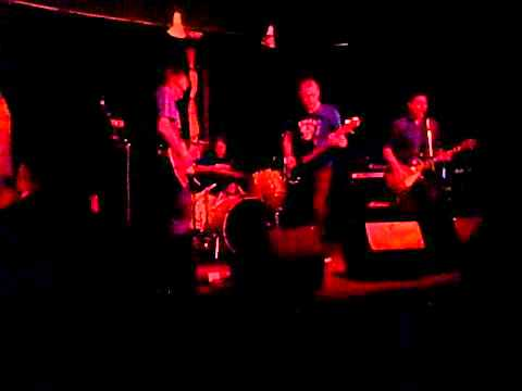 video:Moon Eater At The Catalyst in Santa Cruz 6/30/2011
