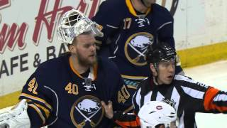 Gotta See It: Scrivens, Lehner get in staring contest during scrums