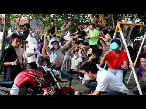 manado harlem shake  (TIUNSRAT2012) BETA version part 2