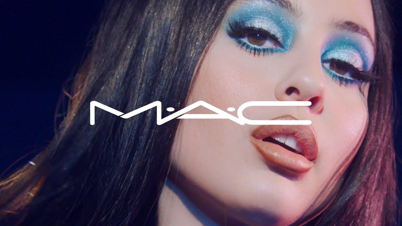 Afbeeldingsresultaat voor MAC Small Eye Shadow advertice
