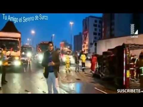 Serenazgo De Surco, Policías Y Bomberos Intervienen En Choque Multiple En Pan  Sur