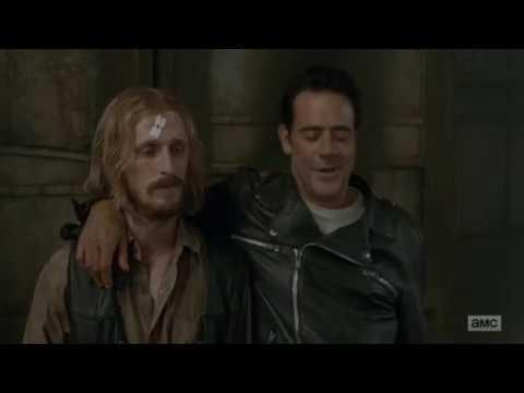 The Walking Dead: Negan Kills Doctor Carson