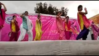 Lakh da hulara dance