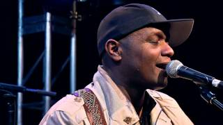 "Javier Colon ""Raise Your Hand"" - NAMM 2012 with Taylor Guitars"