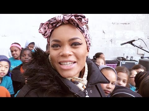 """RISE UP"" Andra Day ft. PS22 Chorus"