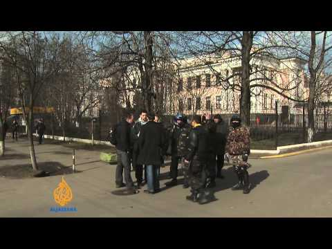 Yanukovich wanted for 'mass murder' in Kiev