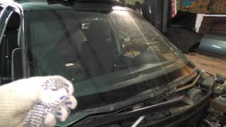 Как срезать лобовое стекло на Приоре(Видео обзор по срезанию лобового стекла на автомобиле Лада Приора., 2015-12-16T21:16:53.000Z)