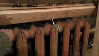 видео Какие лучше: алюминиевые или биметаллические радиаторы отопления, характеристики батарей, плюсы и минусы
