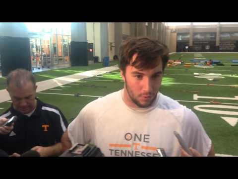 Vols QB Justin Worley on sore elbow, conversation with Peyton Manning