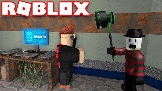 HACKING BACKWARDS LIKE A PRO in ROBLOX FLEE THE FACILITY | RUN, HIDE, ESCAPE!