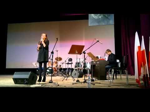 Biały krzyż / Justyna Panfilewicz