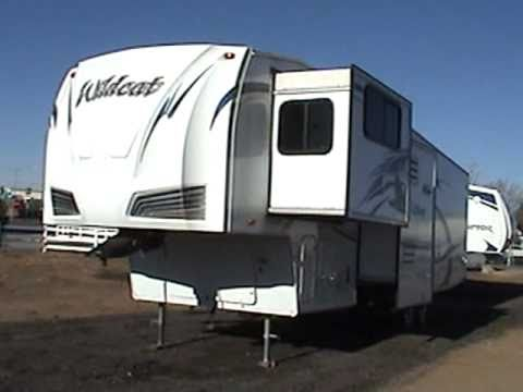 new 2010 wildcat 34flr 5th wheel front living with 3 slides