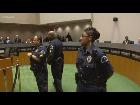 Emotions high at Dallas City Council meeting since Botham Jean\'s shooting