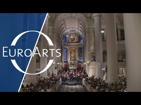 "St. Thomas Boys Choir: J.S. Bach - ""Dona nobis pacem"" from the B minor Mass"