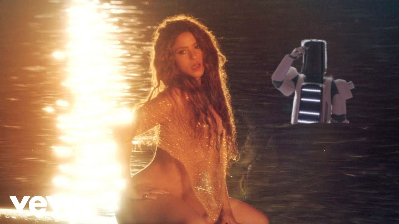 Shakira  Dont Wait Up Official Video