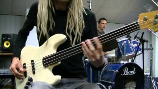 Experimental Fretless Funk Rock Bass & Drum Grooves