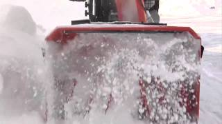 видео Снегоуборщик Husqvarna ST 276EP