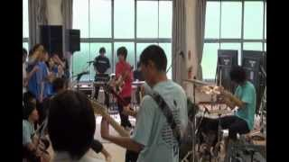 某高校の文化祭でTHE BACK HORNのコピーをしました。 低画質、低音質で...