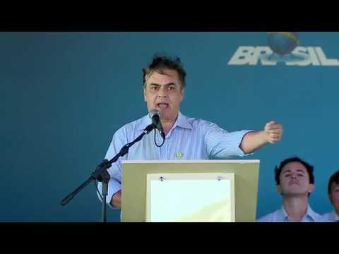 """Transposição: Cássio se irrita, ataca Dilma e chama manifestantes de """"inocentes úteis""""; Veja o vídeo!"""