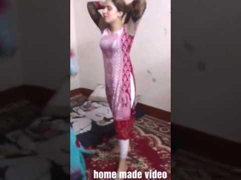 Chudi jo khanke haato me dance