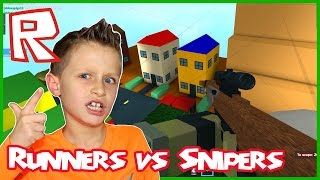 I am Bearly Sniper / Roblox Runners vs Snipers