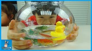 귀여운 강아지 물고기 만났어요! 미니의 야시장 게임 ♡ 헬로 카봇 제트렌 터닝메카드 W  장난감 다 만나다 Toy Market Play | 말이야와친구들 MariAndFriends