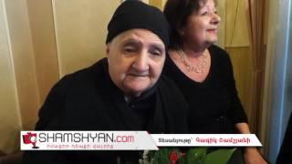 Նոր Նորք վարչական շրջանի ղեկավարը շնորհավորում է 100 ամյա տատիկի Նոր Տարին
