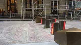 автомобильные заграждения на Уолл-стрит(, 2014-02-14T18:27:32.000Z)