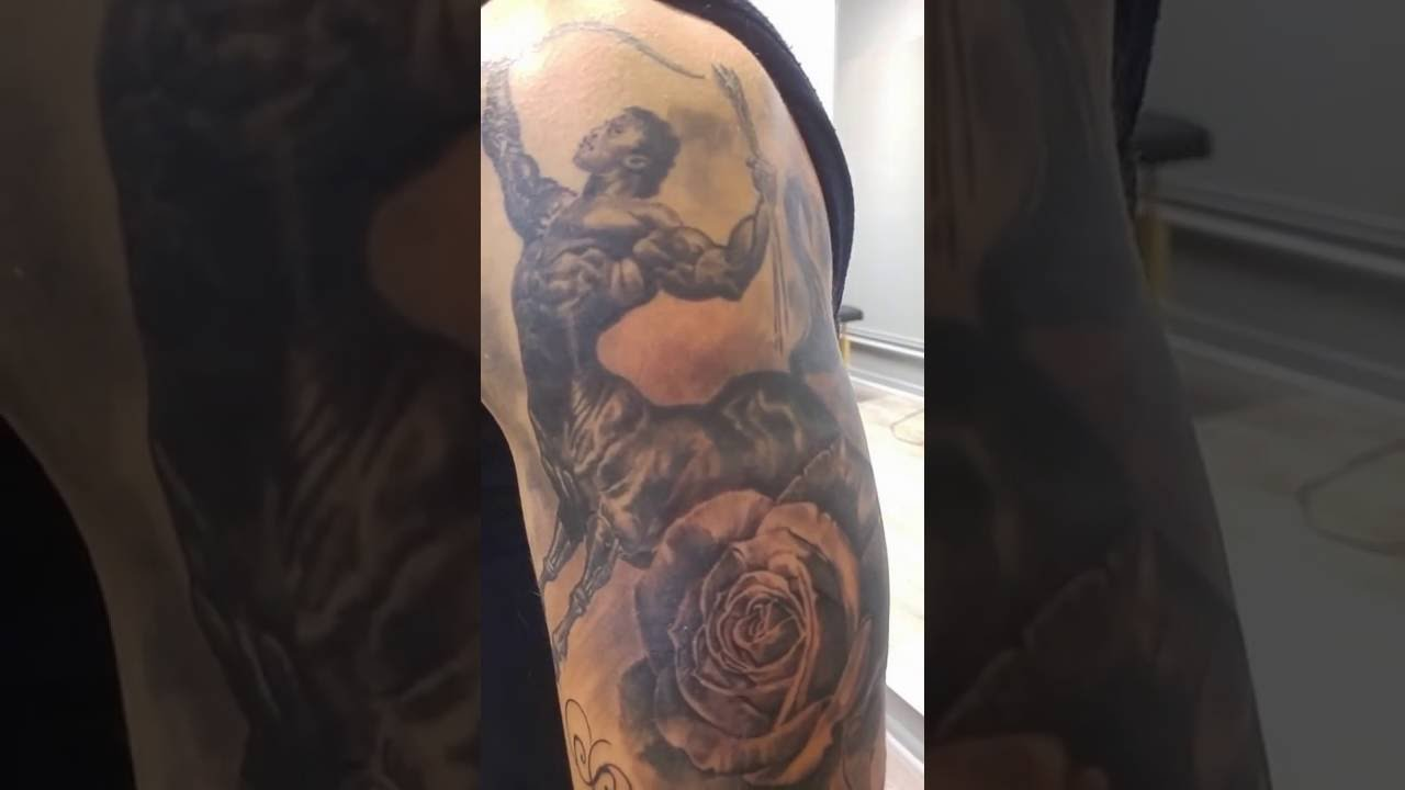 Tatouage sagittaire par stephane bueno studio black corner tattoo youtube - Tatouage original homme ...