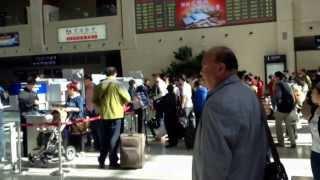 中国東北部の旅  2013   09  Part  16 哈大高速鉄道 哈爾浜西駅 改札口