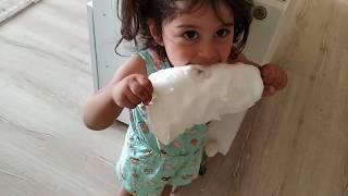 Ayşe Ebrar Pamuk Şeker Yerken Çubuğu Kırıldı. Çok Üzüldü Ağladı. For Kids Video