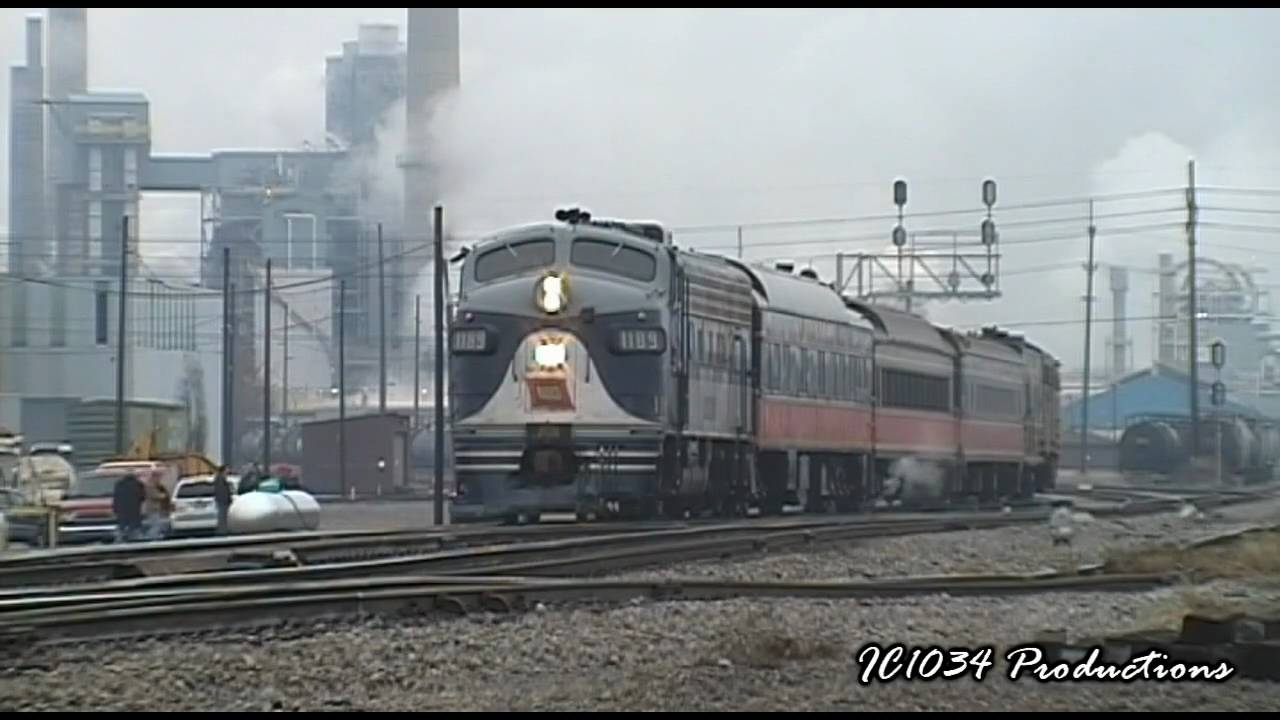 The NS SantaChristmas Train In Decatur IL 12 13 09