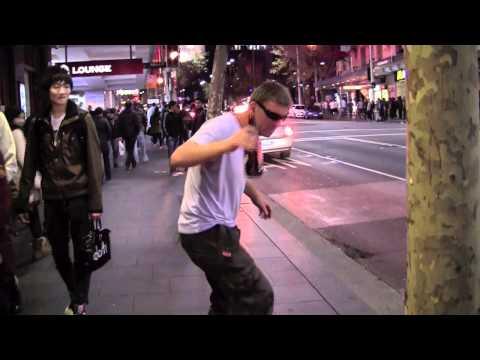 Australian Police Crackdown on Drunk Dancing in Sydney. Суровая Полиция Австралии.