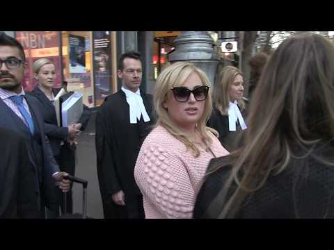'HOLLYWOOD ACTRESS REBEL WILSON - drops 'cable' in Melbourne' 22/5/17