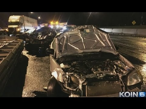 30 cars crash on icy I-5 in Portland