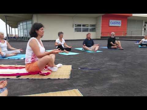 Instant de médiation Yoga terrasse casino Capbreton 13 juillet 2017