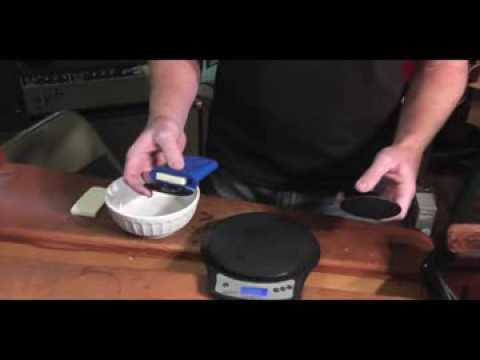 Which acoustic guitar humidifier humidifies the longest & is safest.