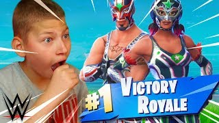JAYDEN réagit à 'NEW' WWE WRESTLERS THEME SKINS! 'INSANE' FORTNITE BATTLE ROYALE 9 ANS KID!