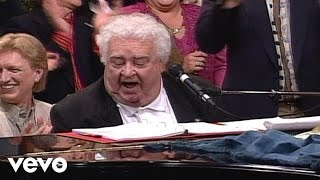 Bill & Gloria Gaither - I'm Living in Canaan Now (Live)