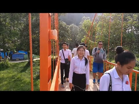 Trip to the red bridge in Vang Vieng ( Vientiane Province ) - Laos travel