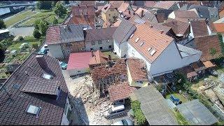 Hauseinsturz: Polizei sucht nach Ursache der Explosion