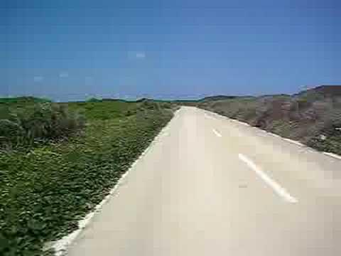 宮古島の東平安名崎を背にして戻る道