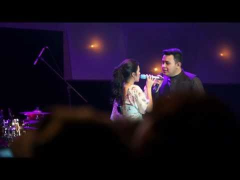 [LIVE Concert] Tulus Ft Raisa - All Of Me (John Legend Cover) #JJF2014