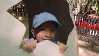Прогулки с динозаврами, нечто необычное произошло в Обычном дино парке