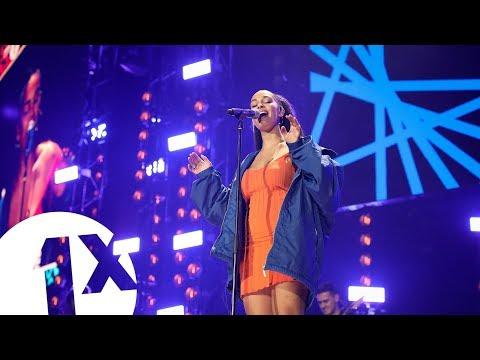 Jorja Smith - Blue Lights (1Xtra Live 2018)